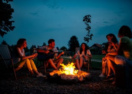 Top 5 fun campfire games for adults for hilarious camping trips
